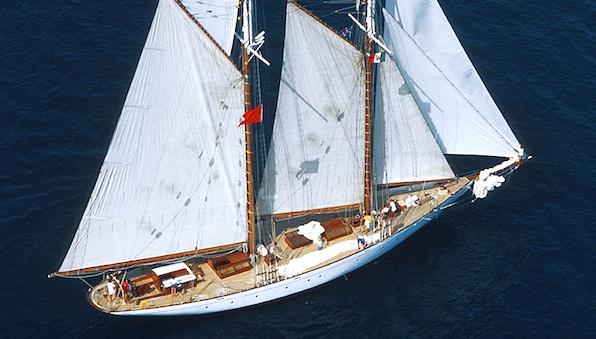 Classic Yacht Puritan